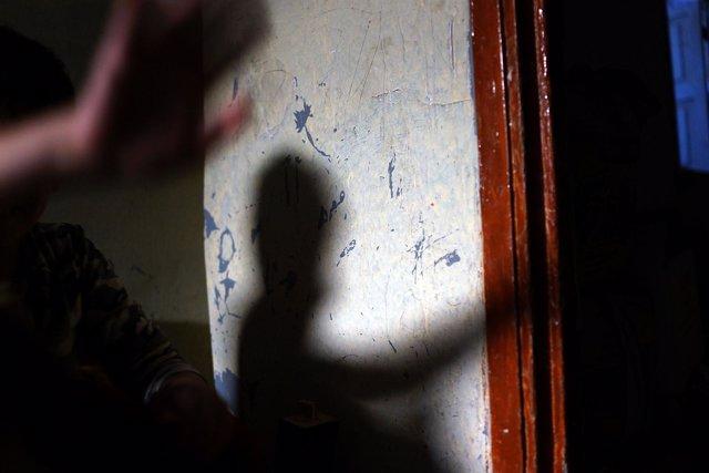 Sombra, personas, trata de personas
