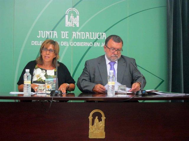 Purificación Gálvez y José Ángel Cifuentes, en la rueda de prensa.