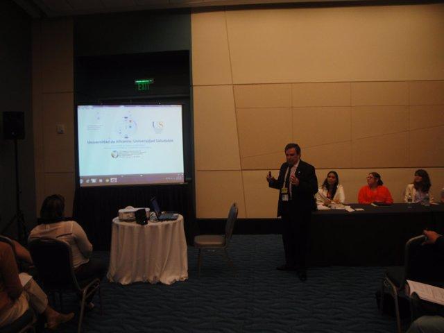 Organización Panamericana De Salud Premia El Proyecto De Universidad Saludable D