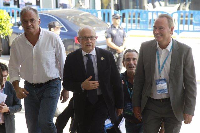 G.Pons, Montoro y Fabra en la Escuela de Verano del PP.