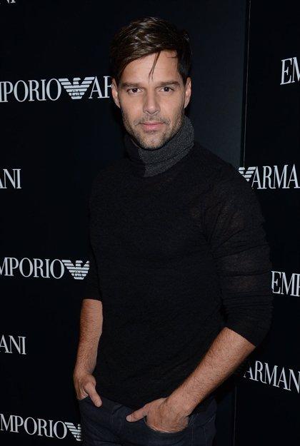 Ricky Martin pide ayuda para componer el tema del Mundial Brasil 2014