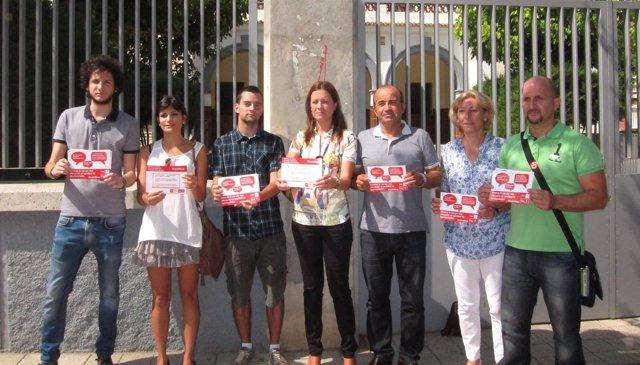 Moreno y Roca con otros miembros del PSRM