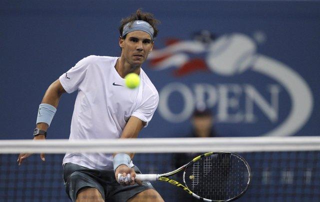 Rafael Nadal se ha acostumbrado a jugar con dolor en su rodilla, dijo el lunes s