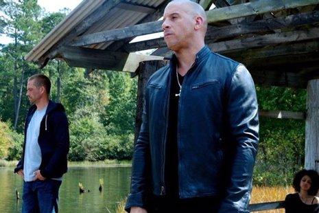 Vin Diesel y Paul Walker en Fast & Furious 7