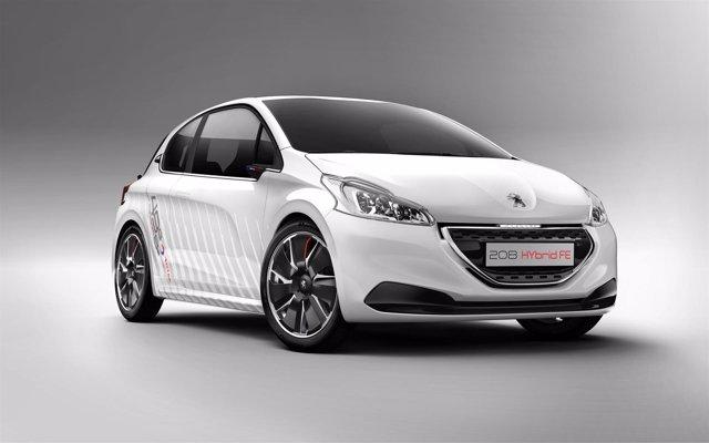 El Peugeot 208 HYbrid FE acredita un consumo de 1,9 litros a los cien kilómetros