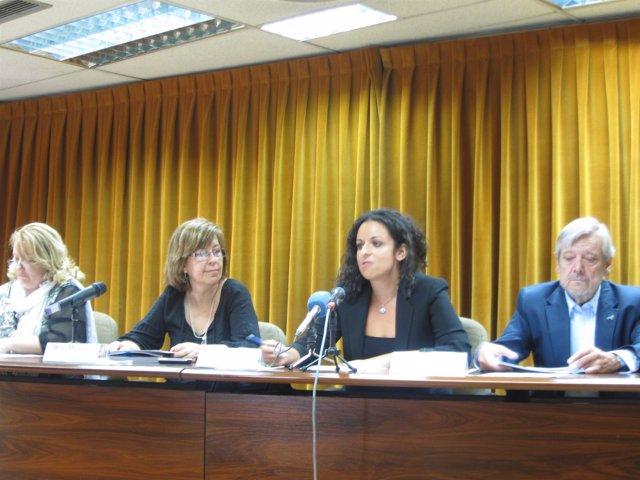 Maru Menéndez y Joaquín Sanz en rueda de prensa
