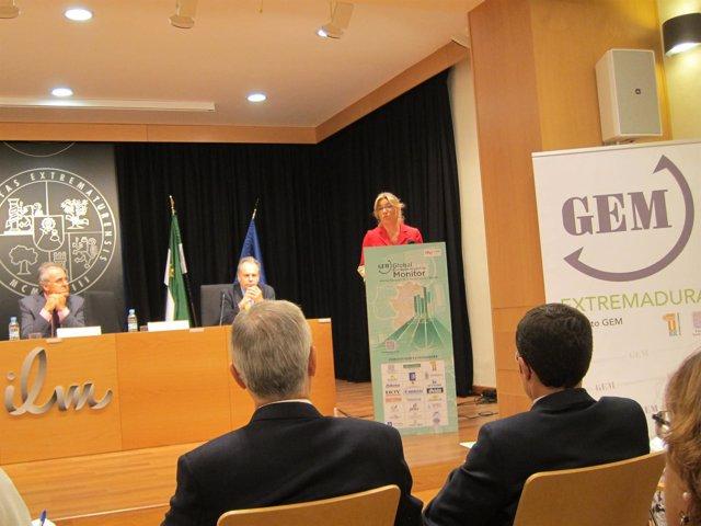 Cristina Teniente En La Presentación Del Informe GEM