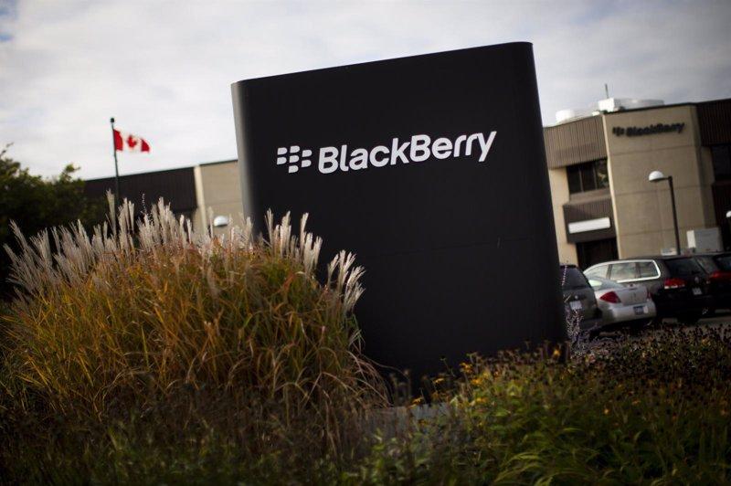 Un consorcio liderado por el fondo Fairfax adquiere BlackBerry
