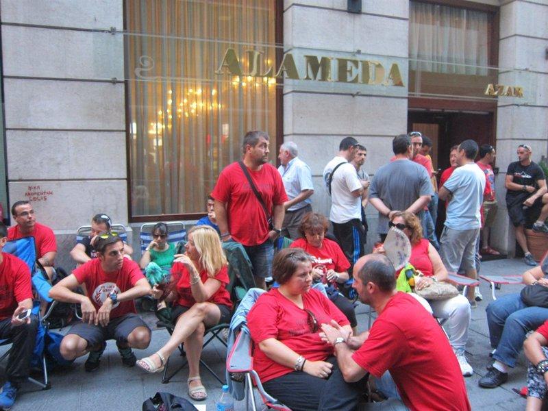 Los trabajadores de Sniace rechazan última oferta de la empresa