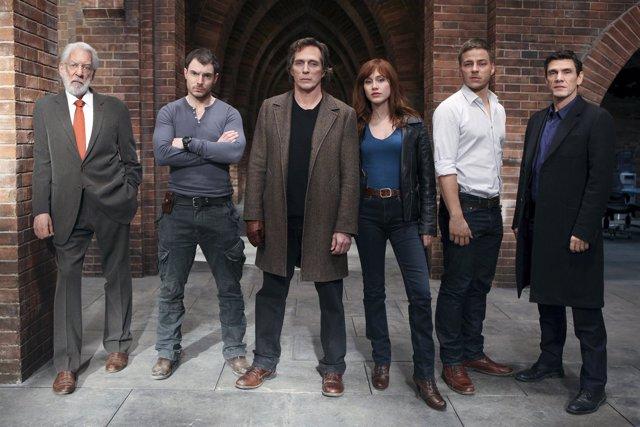 Crossing Lines: Season 1(L-R) Donald  Sutherland, Richard Flood, William Fichtne
