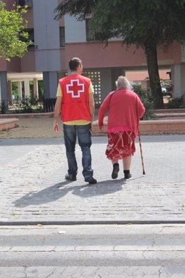 Acompañamiento a mayores por Cruz Roja