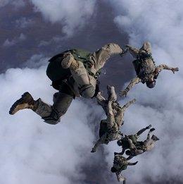 Bomberos paracaidistas