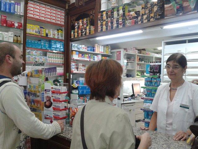 Farmacia de guardia durante el cierre de farmacias en Catalunya