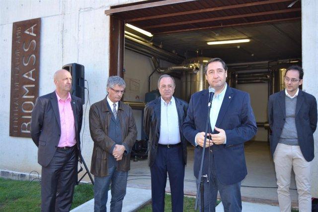 El conseller Josep Maria Pelegrí inaugura red de calor con biomasa