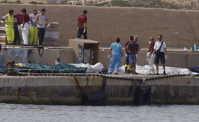 Naufragio De Una Embarcación Frente A Lampedusa, En Italia