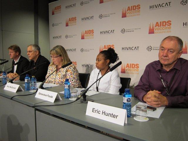 El investigador C.Brander (Hivacat) modera un encuentro en el Aids Vaccine 2013