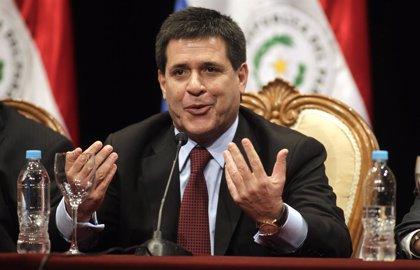 Paraguay.- Cartes ratifica la ley que obliga a los funcionarios a declarar sus bienes antes y después del cargo