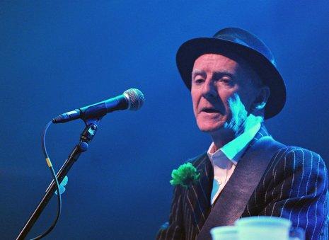 Muere de cáncer el guitarrista de The Pogues, Phil Chevron