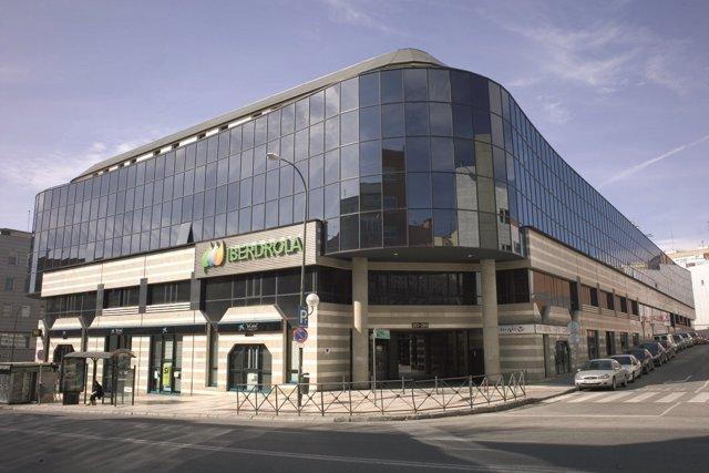 Iberdrola inmobiliaria alquila a arvato iberia un edificio for Oficinas de iberia
