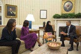 Malala se reune con Obama y Miclelle