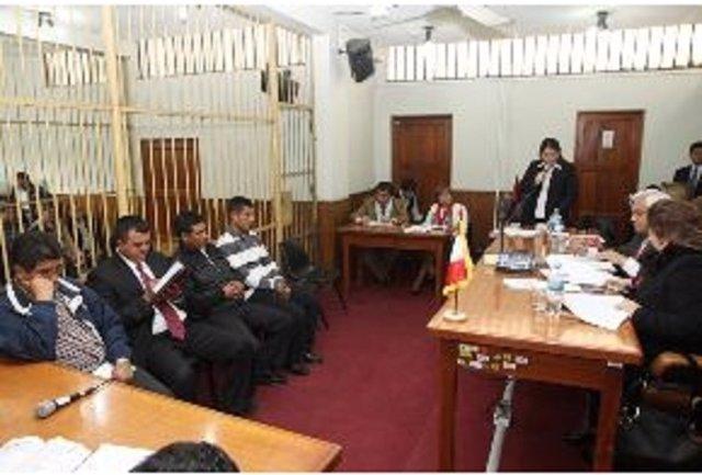 Policías peruanos condenados por asesinato