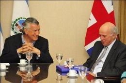 Jose Luis Gioja y Embajador del Reino Unido