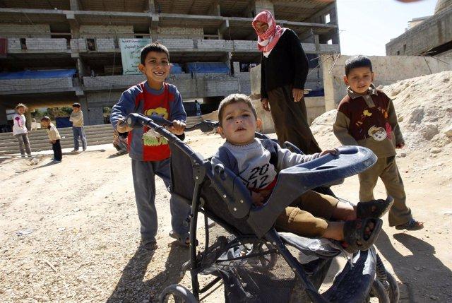 Niños refugiados de Siria en Líbano