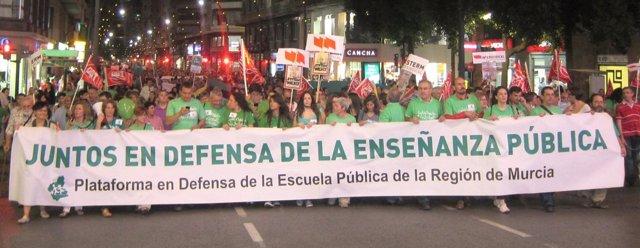 Cabeza de la manifestación en 'defensa de la enseñanza pública'