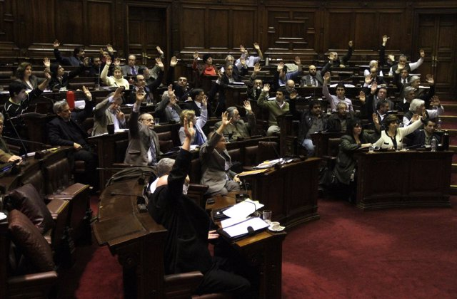Legisladores uruguayos del partido Frente Amplio