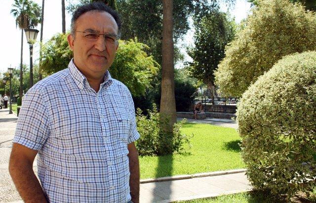 El profesor de la US Miguel Cortés