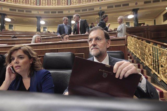 Sáenz de Santamaría y Rajoy en el Congreso