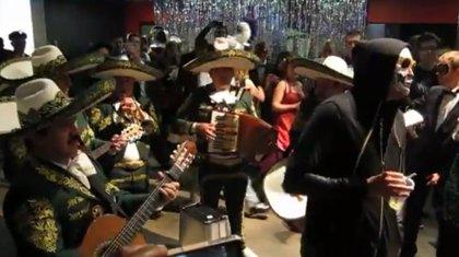 ¿Arcade Fire con mariachis?