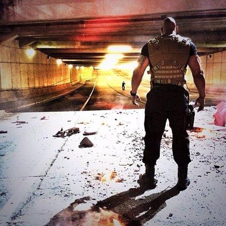 Dwayne Johnson protagoniza una nueva imagen de 'Fast & Furious 7'