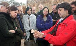 La consellera Català visita el yacimiento de Las Pizarazas