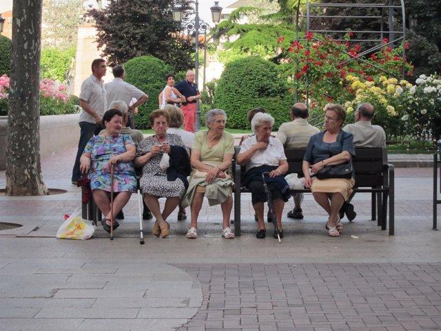 Señoras mayores en Logroño