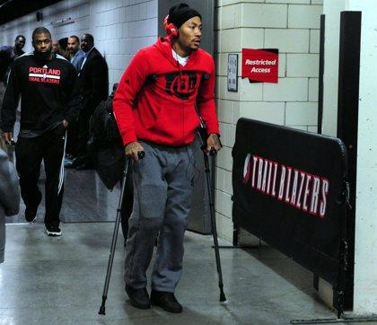 Baloncesto/NBA.- Rose (Bulls) sufre un desgarro en el menisco de la rodilla derecha y pasará por quirófano