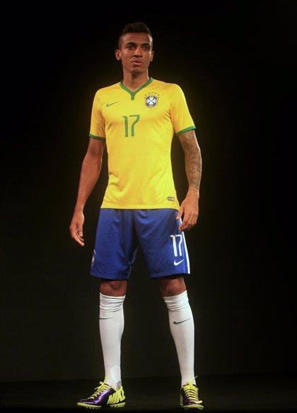 Fútbol/Mundial.- Nike presenta la equipación de la selección de Brasil para su Mundial 2014