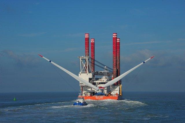 Instalación del aerogenerador Haliade en el mar