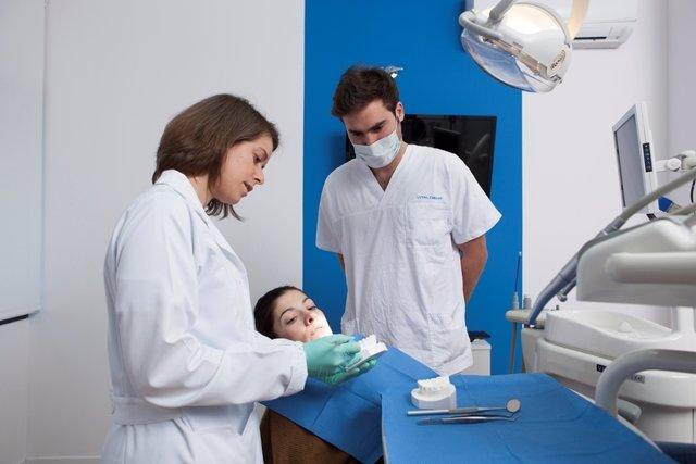Vitaldent. Dentista.