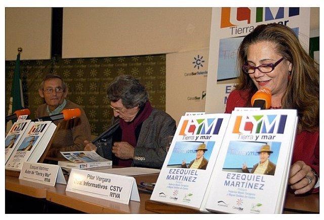 Ezequiel Martínez presenta su libro 'Tierra y Mar'