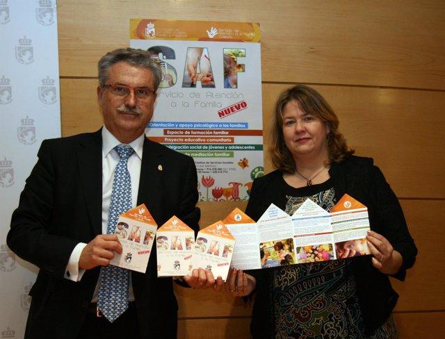 Raúl López, alcalde de Coslada, y la concejala Maite García Ferrer