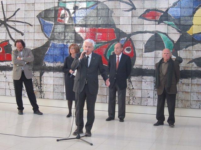 P.Serra (MNAC), I.Rigau (Enseñanza), F.Mascarell (Cultura), M.Roca (MNAC) y G.Ga