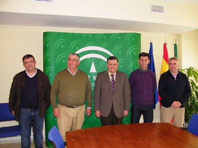 Zurera (centro) con representantes de las ADSG