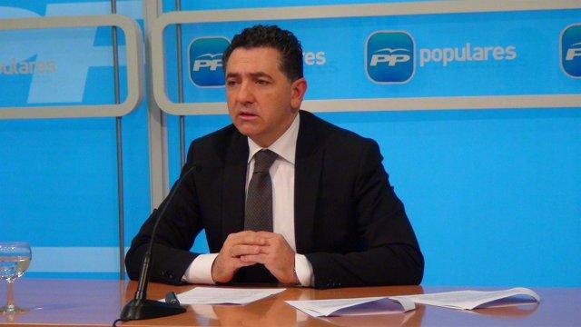 El secretario general del PP, Carlos Cuevas