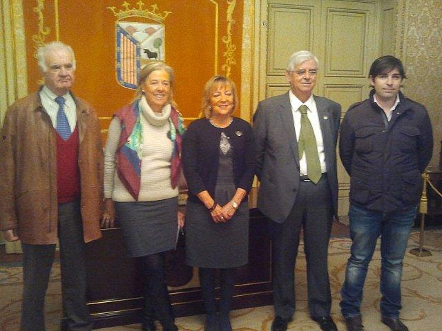 """Organizadores de la """"gran recogida"""" para el Banco de Alimentos en Salamanca."""
