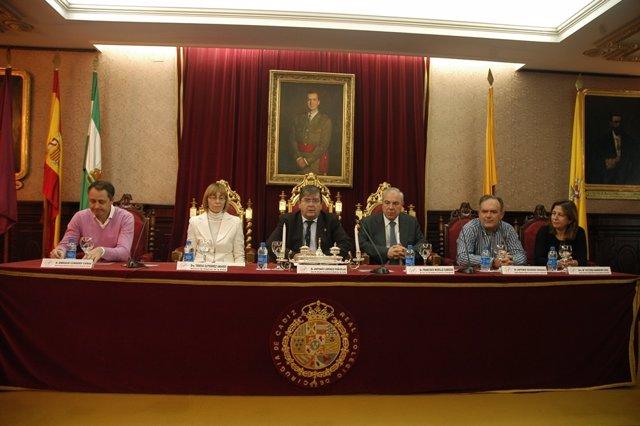 Mesa de inauguración del I Curso de Experto en Intervención y Gestión de Crisis
