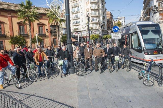 Delegación jerezana en Sevilla.