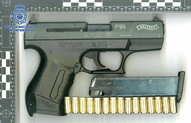 Pistola empleada en un atraco en Santiago
