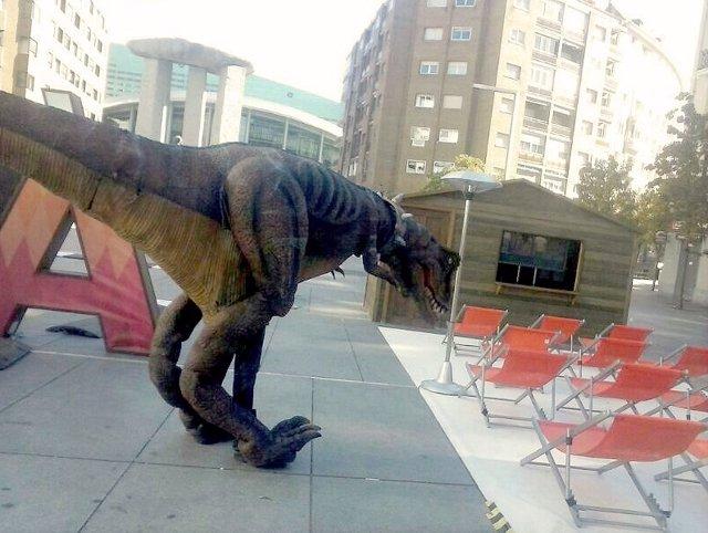 Un dinosaurio en movimiento dará a conoce Dinópolis en Valencia