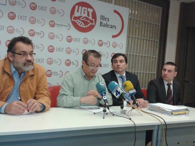 Lorenzo Bravo y su abogado, querellantes contra Bauzá